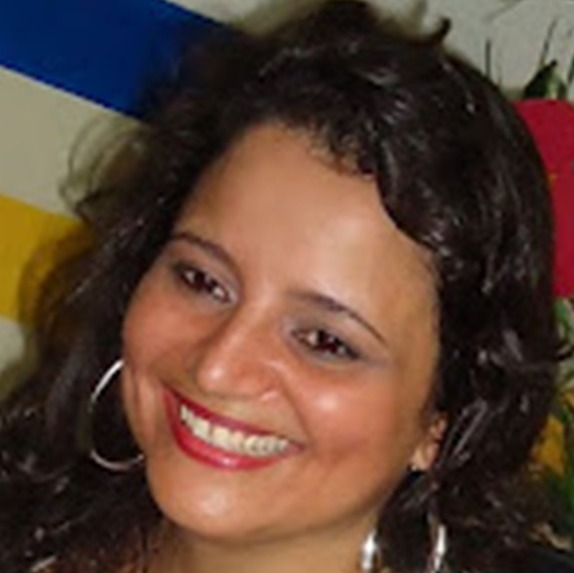 Cristiane Valéria D´Ilio  Lança
