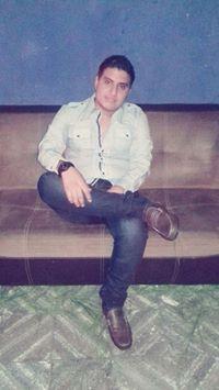 Axel  Flores